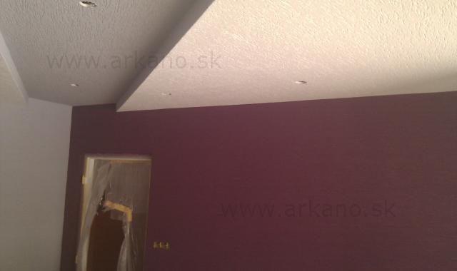 fasádna omietka - steny aj strop - ryhovaná omietka 2mm zrno.