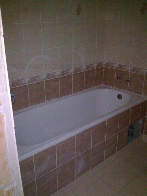 rekonštrukcia kúpelne - obklady a dlažby, osadenie vane ...