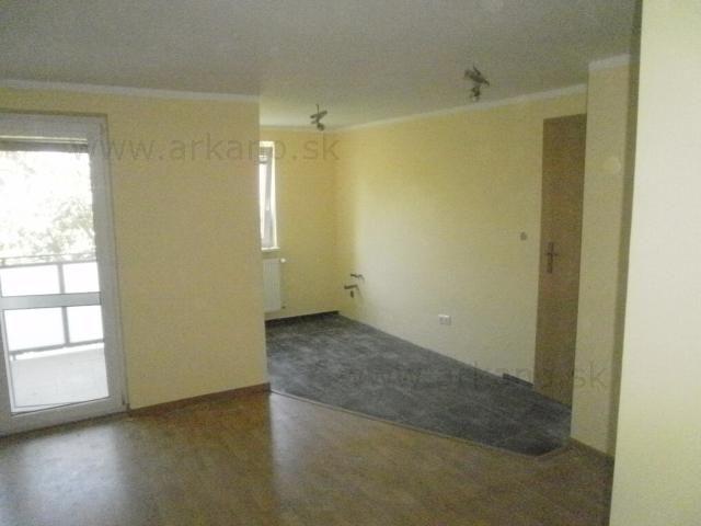 stierky, malovky, podlahy... - stierkovanie, maliarske práce, montáž sadrokartónu, položenie plávajúcej podlahy, položenie dlažby